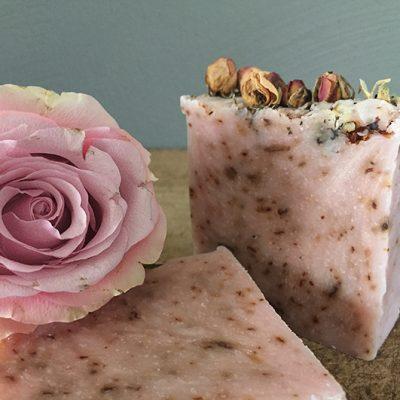 rozenzeep - natuurlijk ezeep - biologische zeep - natuurlijke verzorging