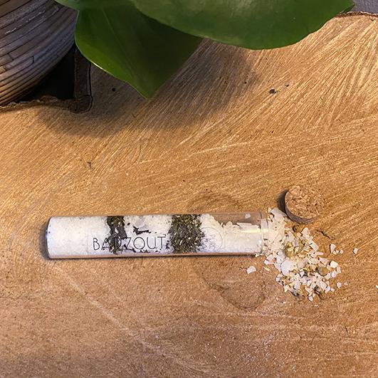 Badzoutbuisje - ambachtelijk gemaakt handgemaakt epsom zout magnesium zout Eucalyptus